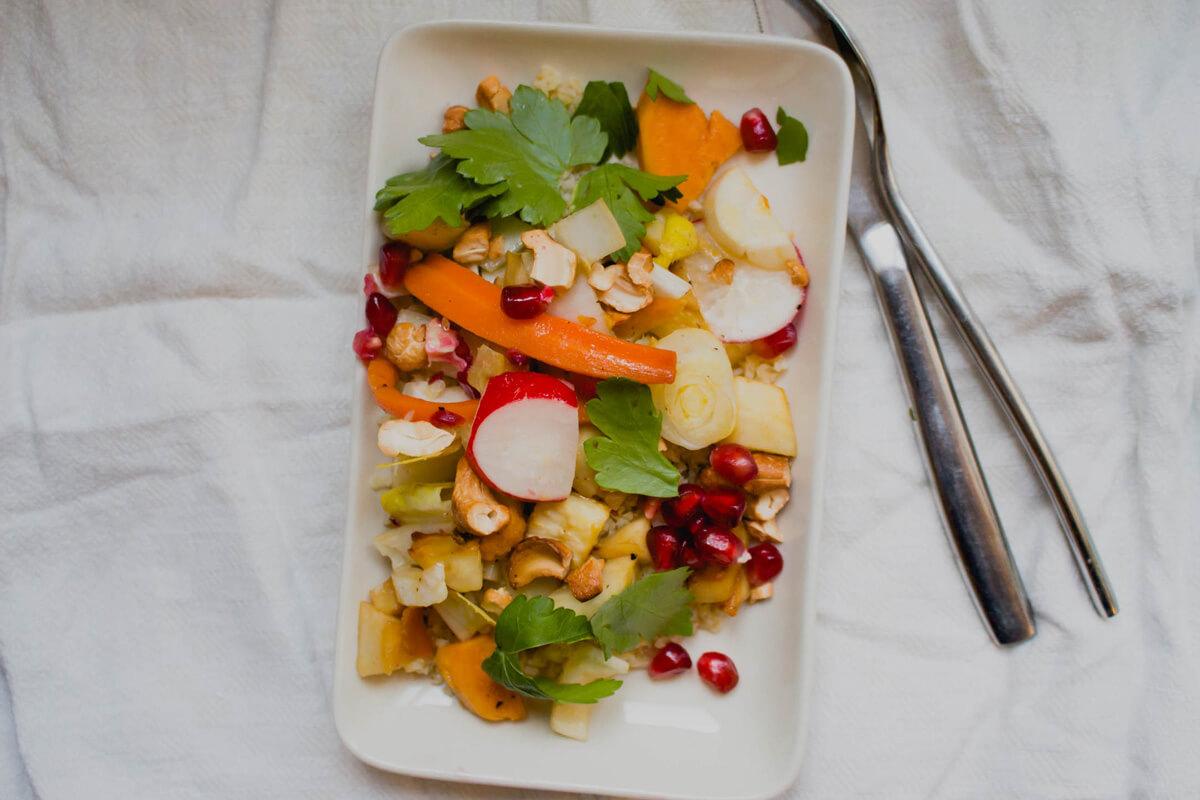 Bulgursalat mit Chicoree und Granatapfel
