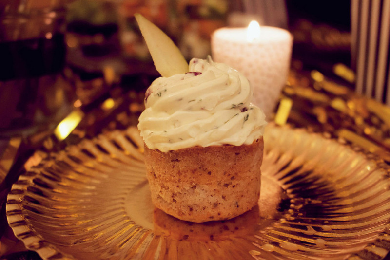 gorgonzola-birnen-muffins mit cranberry topping {oscar buffet 2016}