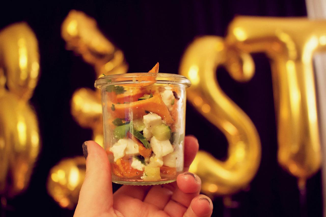 süßkartoffel-salat im glas mit feta + zuccini {oscar buffet 2016}