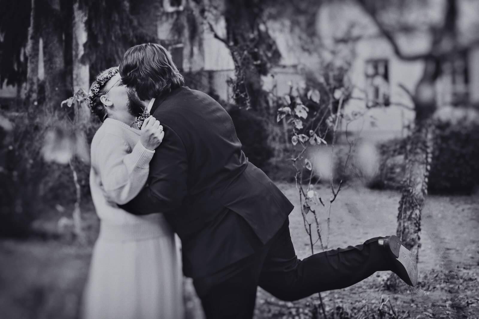 schnell noch ein kuss (foto: markus maierhofer)